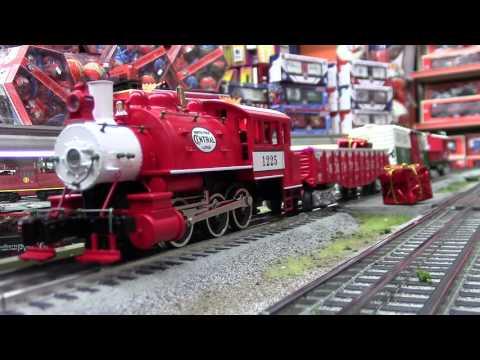Lionel #6-82545 Santa's Helper Christmas LionChief Set