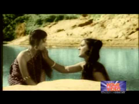 Trupti Das & Geeta Pattnaik-'Phurr-kina udi-galaa bani...' in 'Jajabara'(1975)