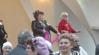 Its mу life...Народные танцы,парк Горького,Харьков.