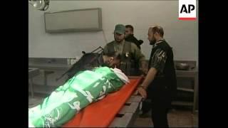 Hamas, Fatah gunmen exchange fire, killing 1, wounding 7; Israeli navy fires on boat
