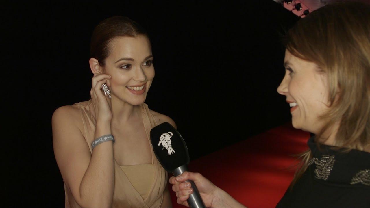 Emilia Schüle Interview