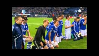 Raul in der Nordkurve Schalke-Inter 2:1