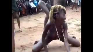 Download Video ghana girls dancing nakèd in public MP3 3GP MP4