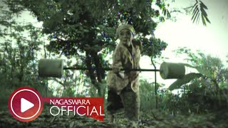 Repeat youtube video Wali - Nenekku Pahlawanku - Official Music Video - NAGASWARA