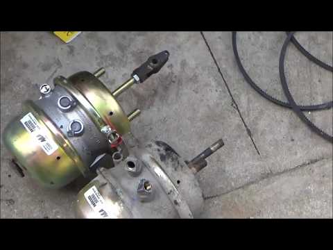 Changing parking brake chamber 30 30 on a big truck