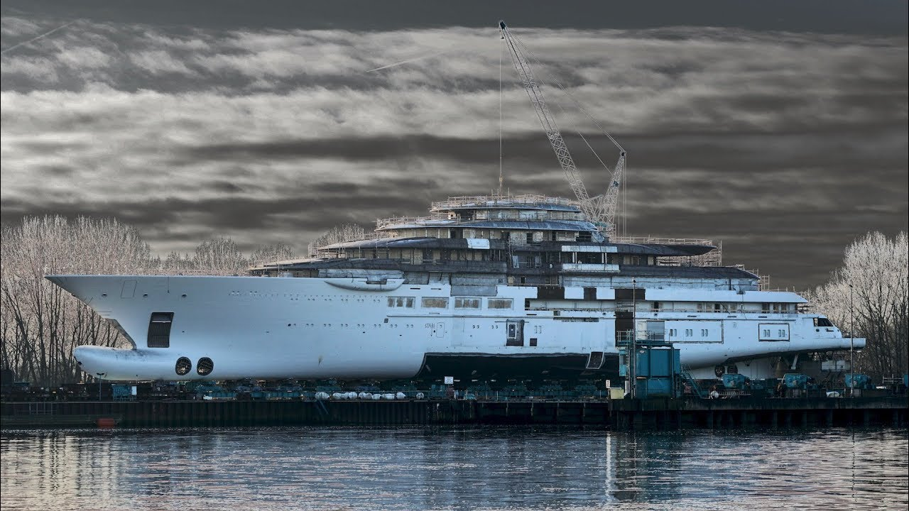 4K FLOAT OUT And IN New Mega Yacht Project LIGHTNING