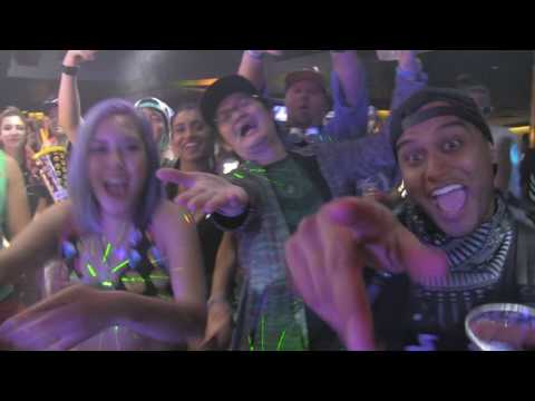 TOTALLY ENORMOUS EXTINCT DINOSAURS - FEED THE TEED @ HOLY SHIP 8.0 - 1.7.2016