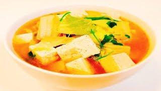 Китайская кухня.  Суп из тофу с говядиной и пекинской капустой