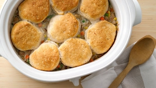 Slow Cooker Creamy Chicken Pot Pie