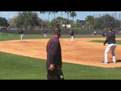 Yankees' Aroldis Chapman long-tosses smoke