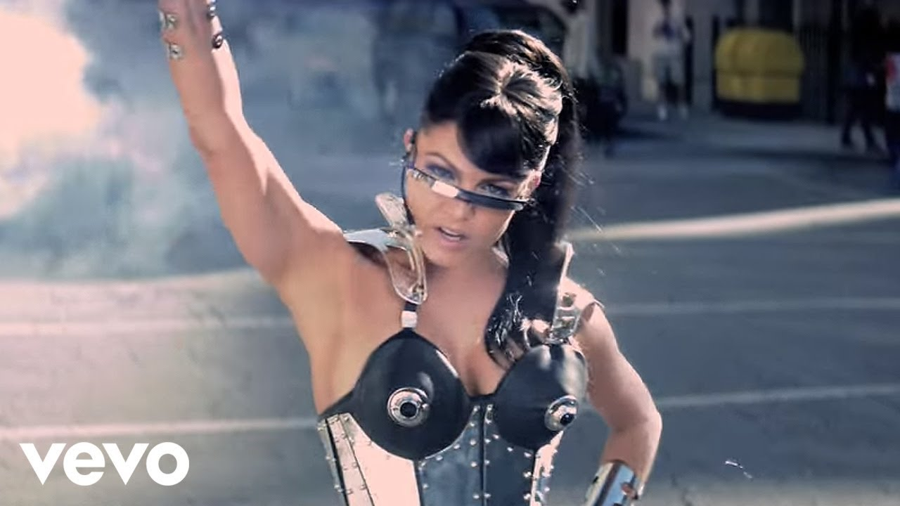 Download Black Eyed Peas - Imma Be Rocking That Body (Official Music Video)