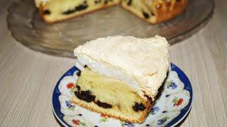 Яблочный пирог с черносливом и безе