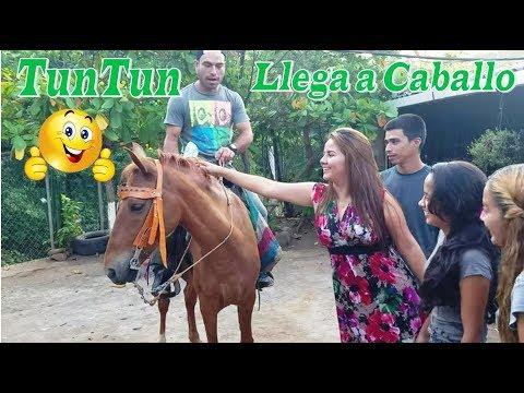 2- Llego El Vaquero Tun Tun - Un Dia  Para Conocer Mas a Joselin, Natalia Y Tía Luz Parte2