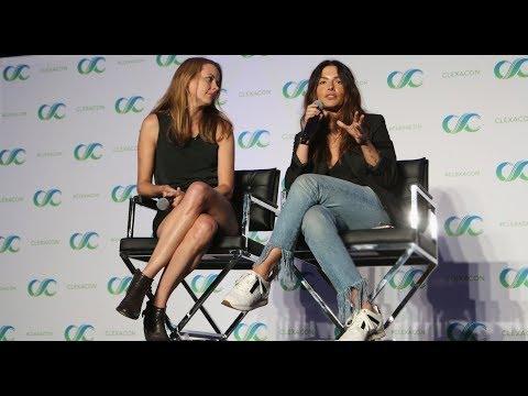 Shoot Reunion Panel @ ClexaCon 2018  Amy Acker & Sarah Shahi