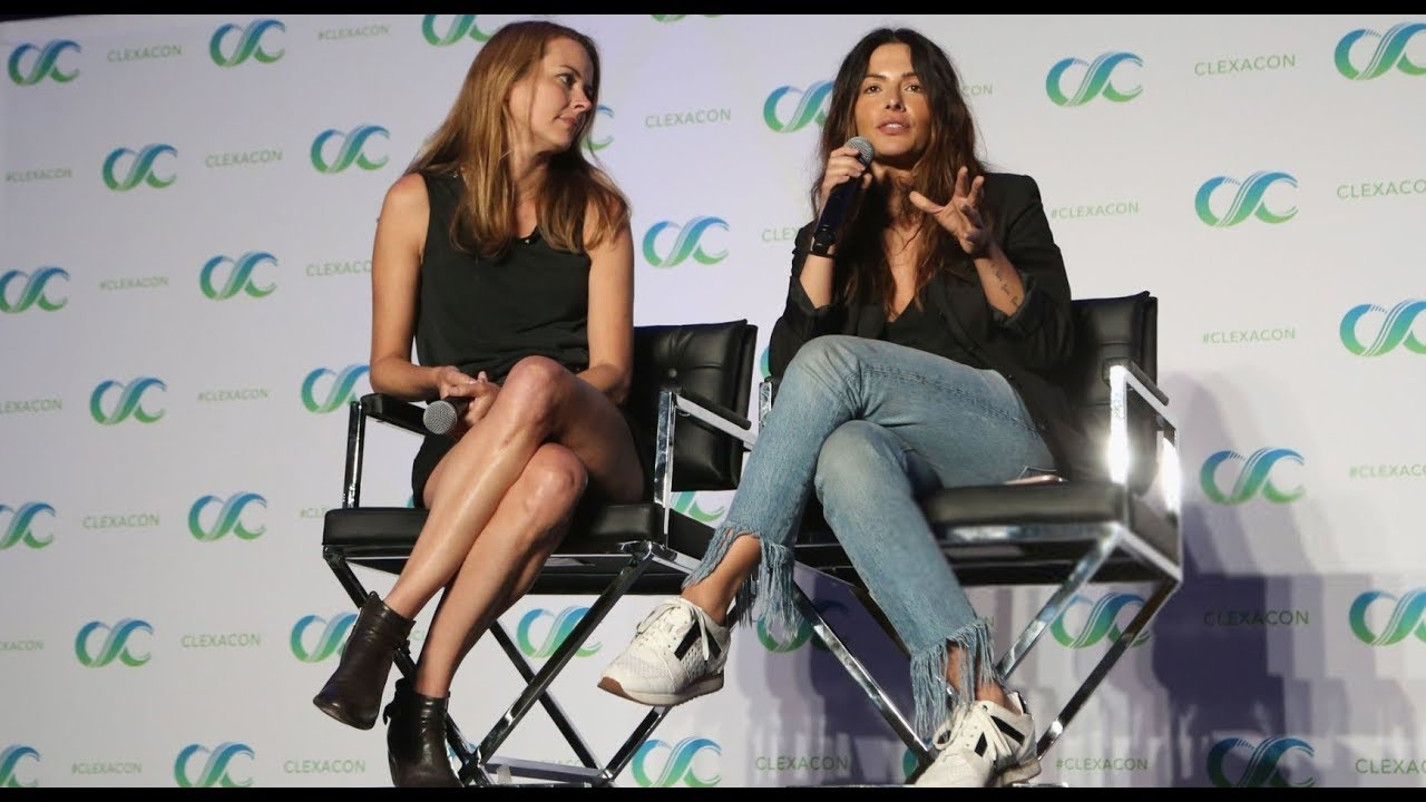 Shoot Reunion Panel At Clexacon 2018 Amy Acker Sarah Shahi Youtube