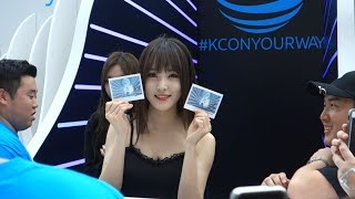 [FANCAM] 170623 여자친구 (GFriend) visits the AT&T booth at KCON New York