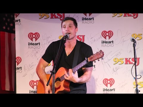 "Walker Hayes - ""You Broke Up With Me"" - Moe's BBQ Mobile"