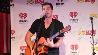 """Walker Hayes - """"You Broke Up With Me"""" - Moe's BBQ Mobile"""