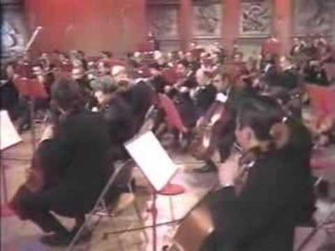 "Glenn Gould - Beethoven's ""Emperor"" Concerto 4/4"