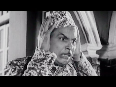 Johnny Walker is saved by his mother - Chaudhvin Ka Chand Comedy Scene 2/10