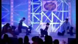 Vatsal Sheth and Ayesha Takia perform at Sabse Favorite Kaun Awards