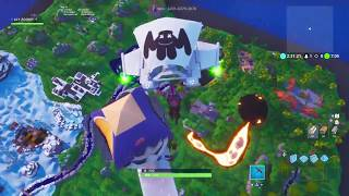 IM RULING AND HACKING FORTNITE AND IM GIANT Mohahaha