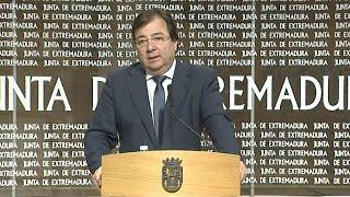 """Vara dice que """"por el momento"""" las UCIs de Extremadura no están saturadas"""