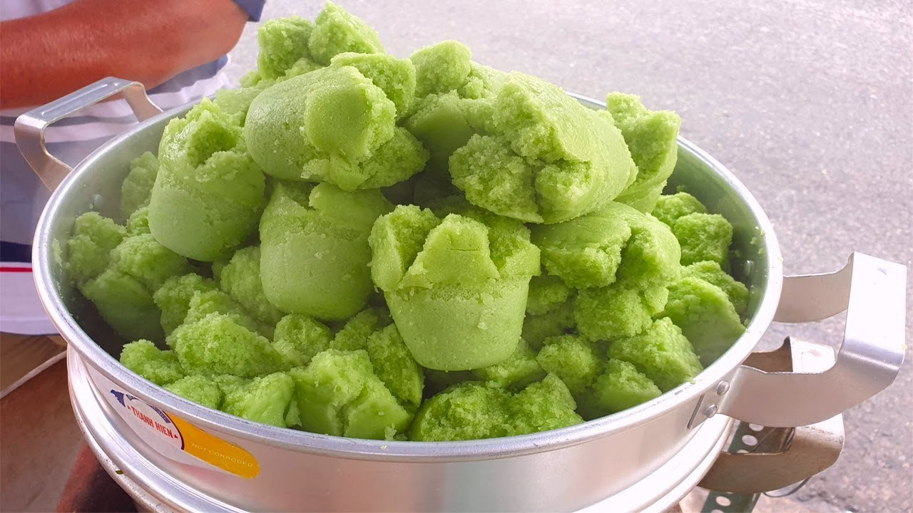 Xuất hiện bánh bò bông lá dứa thơm phức trên vỉa hè Sài Gòn – Vi Na TV