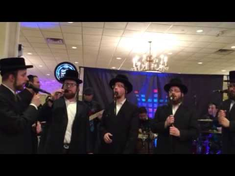 Sympinny Band with levy falkowitz with the Shira Choir sing