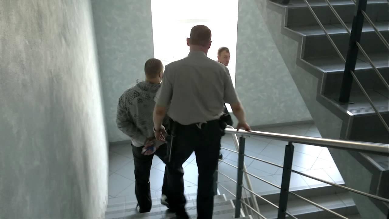 15min.lt - Laimonas Lapinskas išvedamas iš teismo