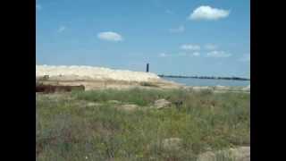 Голая пристань  добыча песка в кардашинском песчаном карьере  sand mining in sand quarry(Голая пристань Как это делать Добыча песка в голой пристане Украина херсонской области sand mining in sand quarry., 2013-06-27T01:21:48.000Z)
