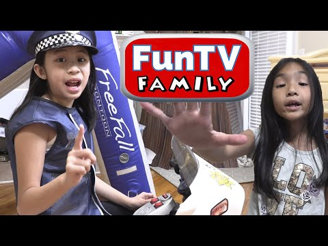 Pretend Play Police Solving the Mystery Money Gone Wrong - NEW CHANNEL FunTV Family