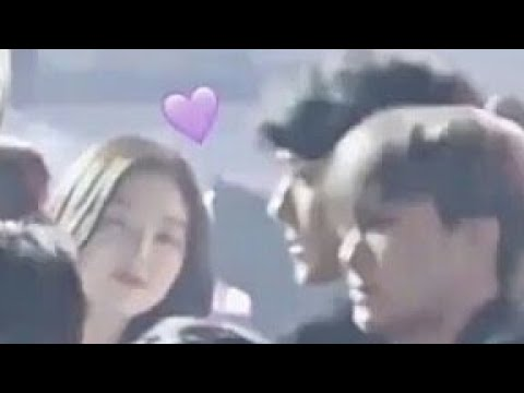 Sehun and Irene look and smile In Melon 2017