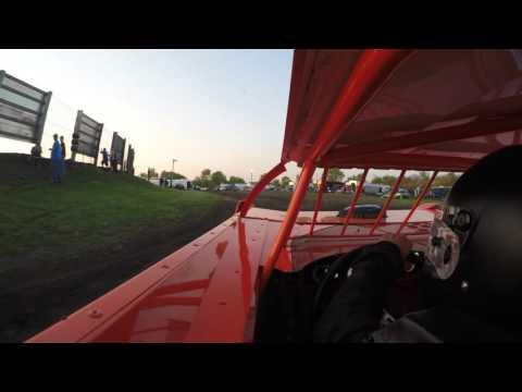 Doug Hammer Racing.  Qualifying Farmer City Raceway
