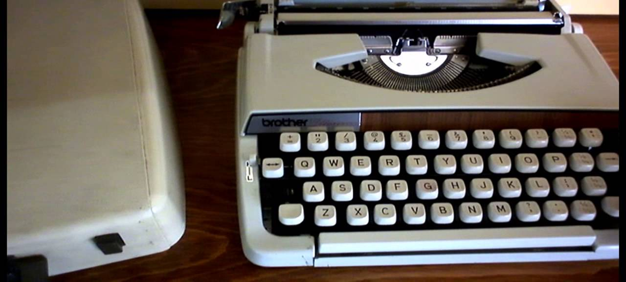 vintage old brother deluxe 900 portable manual typewriter carry rh youtube com brother typewriter manual-10 brother typewriter manual free