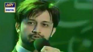 Tu Khaas Hai - Atif Aslam ( Live Performance )