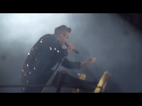 ROBBIE WILLIAMS - HEY WOW YEAH YEAH / LET ME ENTERTAIN YOU @ MANCHESTER 18/06/13