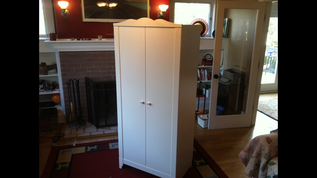 Ikea hensvik wardrobe detailed assembly tutorial youtube for Chambre 9m2 ikea