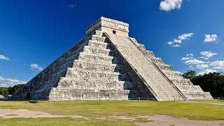 Climbing the Temple of Kukulkan at Chichén Itzá