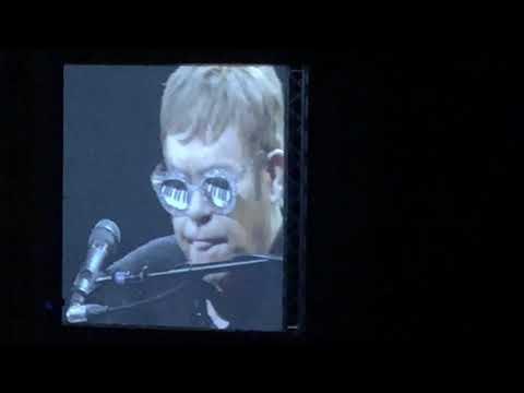 Elton John in Beirut- Don't let the sun go down on me