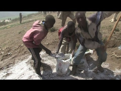 Children ditch school for mining in DRC