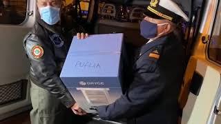 Ecco l'arrivo vaccini anti Covid all'aeroporto di Bari