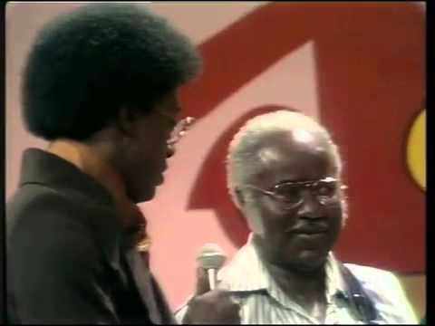 "The Staple Singers sing ""Respect Yourself"" live on Soul Train"