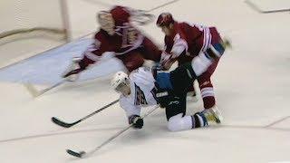 Гол Овечкина признали лучшим в истории НХЛ Финиксу в 2006