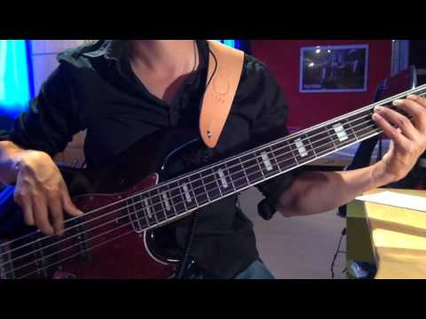 The Police - Walking On The Moon (Bass Cover)