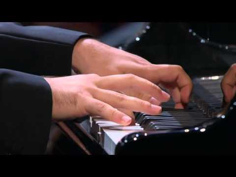Simon Trpčeski (p) & Vasily Petrenko (c) - Royal Liverpool Philharmonic: Rachmaninov Concerto no.2