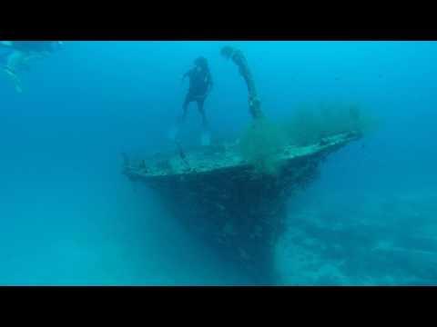 Maldives Diving Drowned Ship