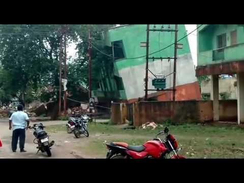 Three Story Building Collapses , Bearing Capacity Failure Maihar Madhya Pradesh.