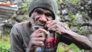 Pikkon; an indogenous music instrument of Dani at Baliem Valley - Stafaband