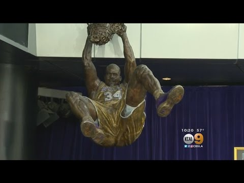 Lakers Honor Shaquille O'Neal With High-Flying Statue Outside Staples Center